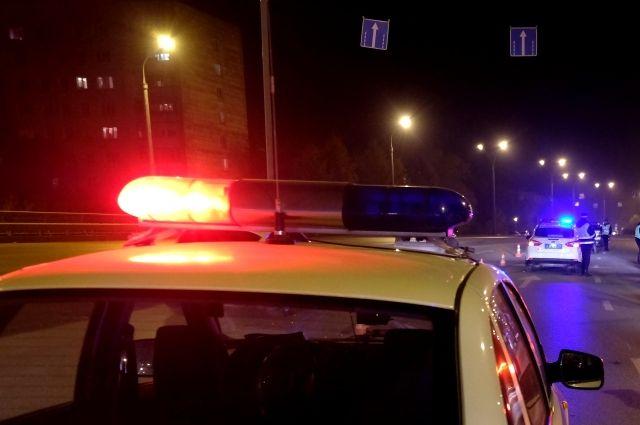 Сотрудники ГИБДД потребовали остановиться водителя автомобиля ВАЗ-2115, но он попытался скрыться.