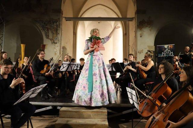 «Сибирский соловей» - так называют певицу из Красноярского края.