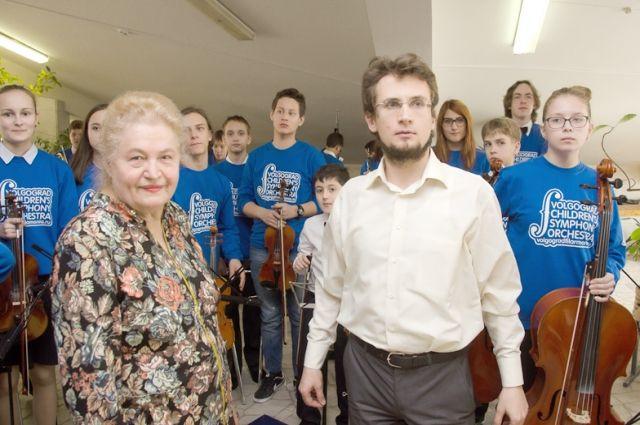 Раиса Скрынникова помогает детям раскрыть свои таланты и представить их публике.