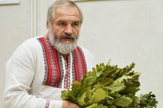 Василий Ляхов относится к клиентам как к новорождённым детям.