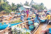 Частные предприниматели во Вьетнаме готовы работать по 16 часов в сутки ради того, чтобы их страна стала наконец богатой.