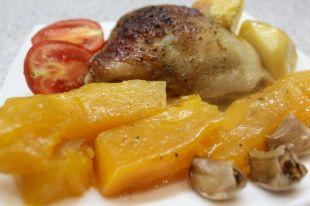Осеннее блюдо - курица с тыквой и апельсинами.