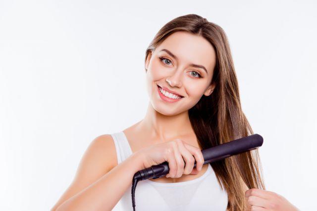 Как безопасно выпрямить волосы?
