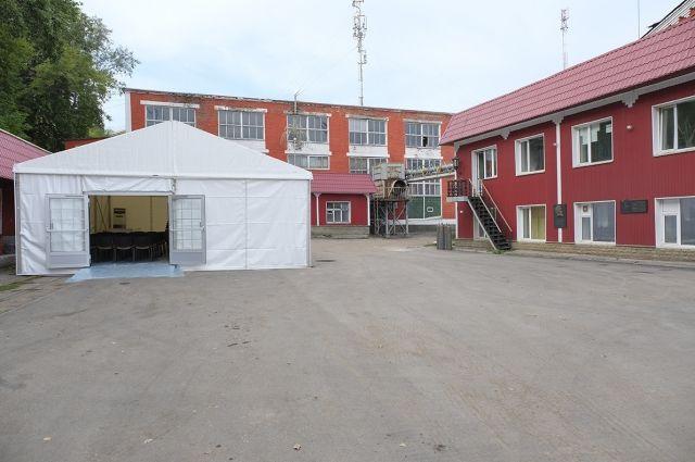 Планируется, что в с самого утра субботы здесь начнется установка оборудования и декоративных элементов.