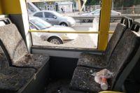 В Киеве мужчина выстрелил в окно троллейбуса, пытаясь сбежать от полиции