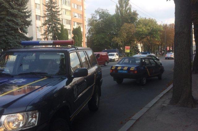 «Пытается уйти от ответа»: в Ровно полицейский сбил подростка на переходе