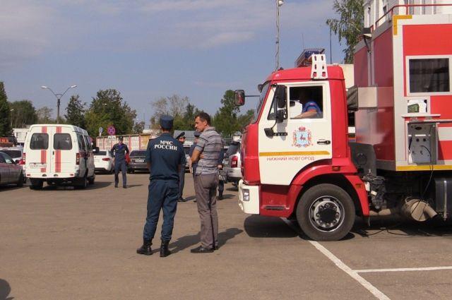 Сотни пожарных боролись с последствиями взрыва в Дзержинске.
