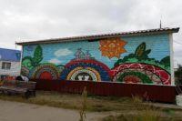 В Тазовском дети создали первый в поселке граффити-объект