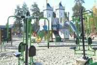 В Нобярьске продолжается обустройство универсальных площадок