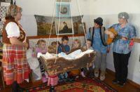 В Николаевке Чебулинского района полностью воссоздали интерьер старой деревенской избы.