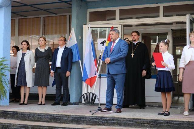 В Калининградской области директором школы стал священник.