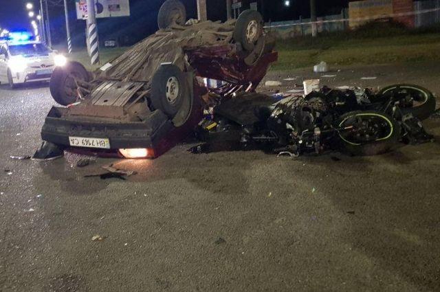 Смертельное ДТП в Николаеве: авто перевернулось, столкнувшись с мотоциклом