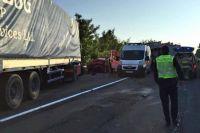 Под Ужгородом на трассе не разминулись три авто: есть погибший