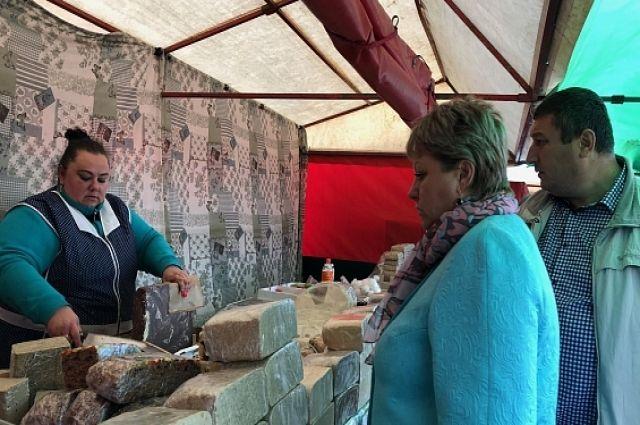В Салехарде открылась ярмарка белорусских производителей