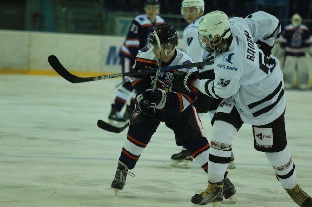 Оренбургские «Сарматы» начали новый сезон в МХЛ с побед.