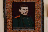 В музее им. Л.Н. Толстого в ст. Старогладовской хранится ковёр с изображением писателя, сотканный художником Магомедом Ясхановым в 1987 году.
