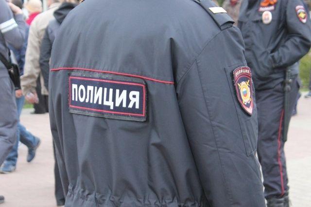 Полицейские выявили пьяного мужчину в общественном месте - на городской площади.