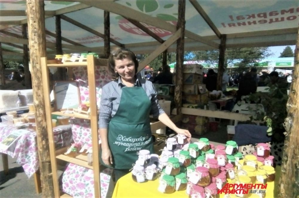 Предприниматели представили богатый ассортимент продуктов питания.