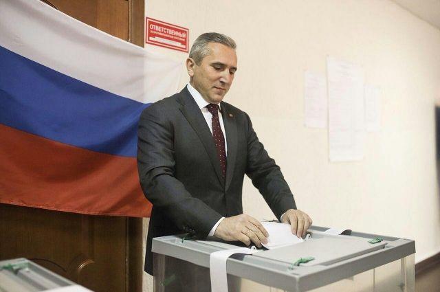 Александр Моор проголосовал на выборах