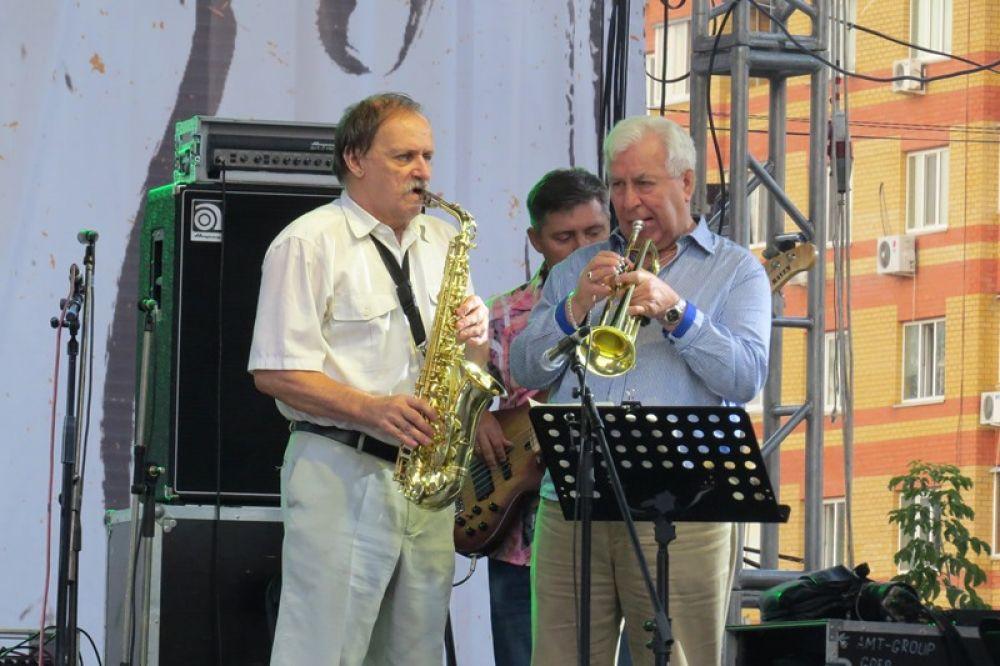 Джазовый ансамбль «Опус – Opus», тоже местный.