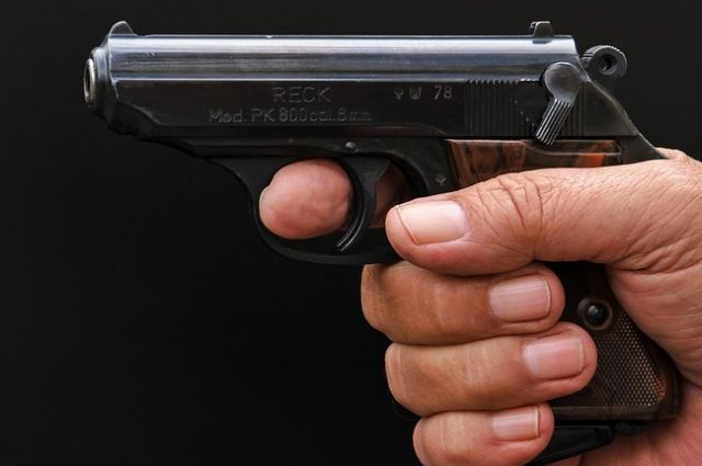 Под Оренбургом полицейские со стрельбой задержали квартирного вора.