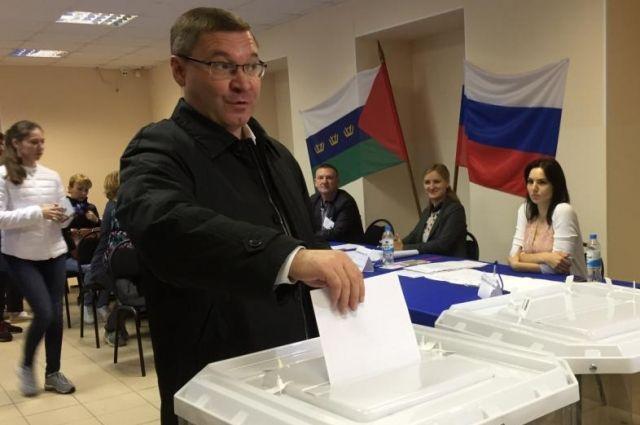 Владимир Якушев проголосовал в Тюмени в день выборов