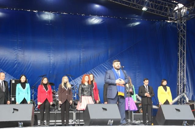 День города в Салехарде: парад ретро-автомобилей и праздничный концерт