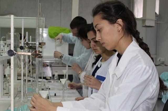 Тюменские школьники примут участие в химическом турнире