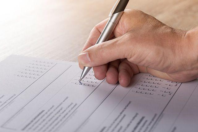 Избиратели звонили и спрашивали, где находятся их избирательные участки.