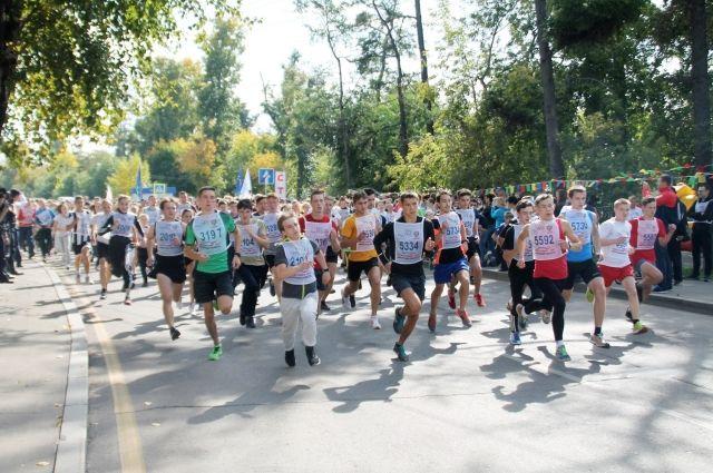 Кросс Нации - самый массовый спортивный праздник.