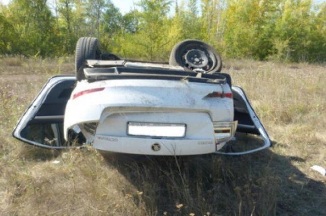 В Новосергиевском районе столкнулись Ford и Skoda, есть пострадавшие.