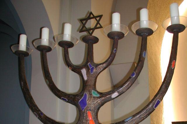 Семисвечник - самый древний символ иудаизма.