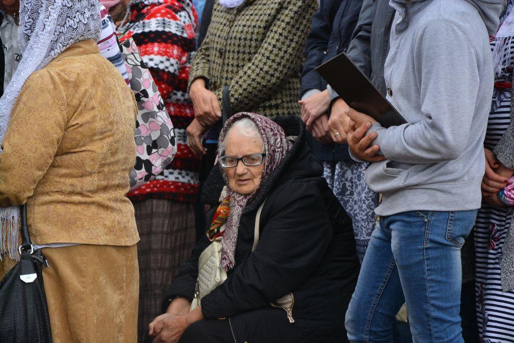 Тысячи паломников продолжают стоять в очереди к мощам Спиридона Тримифунтского в Туле 88414eeb8cf5a75f4d458e6e77940f56