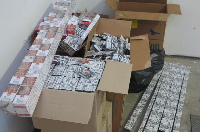 Таможенники пресекли нелегальный вывоз в Литву 18 тысяч пачек сигарет.