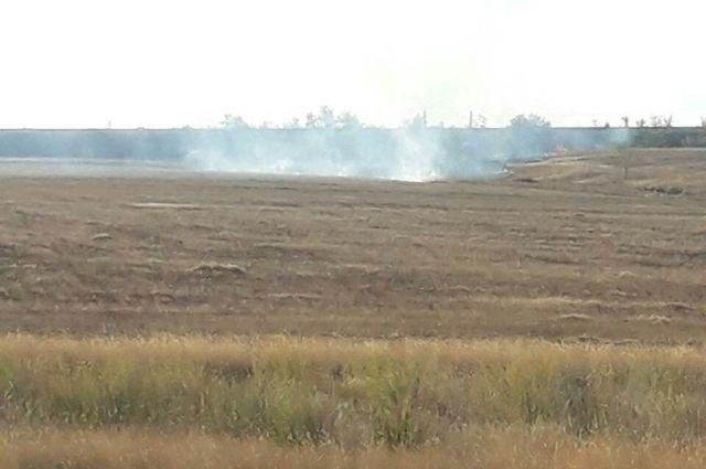 Оренбургскую область атакуют степные пожары.