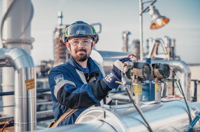 «Газпром нефть» запустила программу энергосбережения блока логистики.