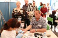 Лекции врачей в «Палатках здоровья» прослушали почти четыре тысячи тюменцев