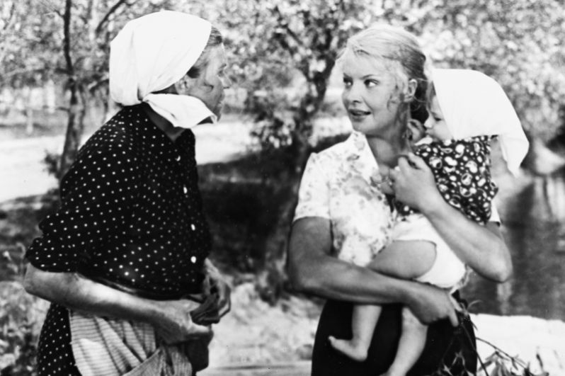 В фильме «Мачеха» 1973 года актриса сыграла одну из своих наиболее известных ролей в кино. Фильм стал лидером проката, а Доронина вновь была признана актрисой года по опросу журнала «Советский экран», а также удостоена награды кинофестиваля в Тегеране.