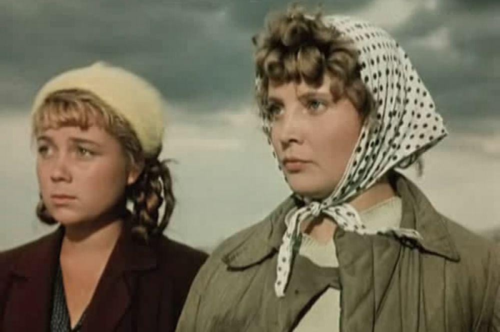 Впервые Доронина сыграла в кино в 1955 году — в фильме «Первый эшелон» Михаила Калатозова, рассказывающем о покорении целины, 22-летней актрисе досталось небольшая роль комсомолки Зои.