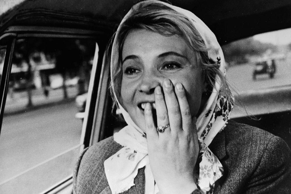 1967 году ее пригласили сниматься в картину Татьяны Лиозновой «Три тополя на Плющихе». Партнером Дорониной стал Олег Ефремов. Фильм имел всесоюзный успех, а Доронину вновь признали лучшей актрисой года по версии журнала «Советский экран».