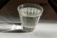 Классический граненый стакан вмещает 250 мл воды.