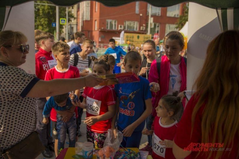 Редакция «АиФ-Новосибирск» подготовила на своей площадке большой праздник для ребят с конкурсами и призами.
