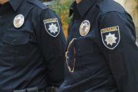 В Киеве мужчина и женщина, угрожая ножом, ограбили прохожего
