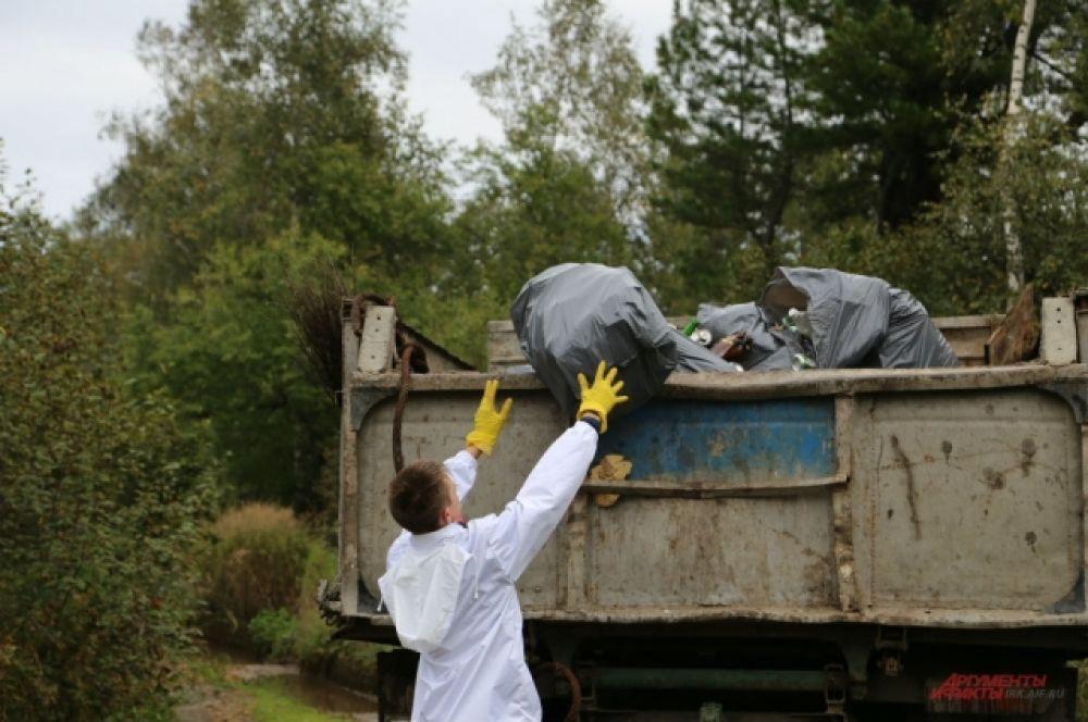В поселке Мурино Иркутской области собрали 296 мешков мусора.