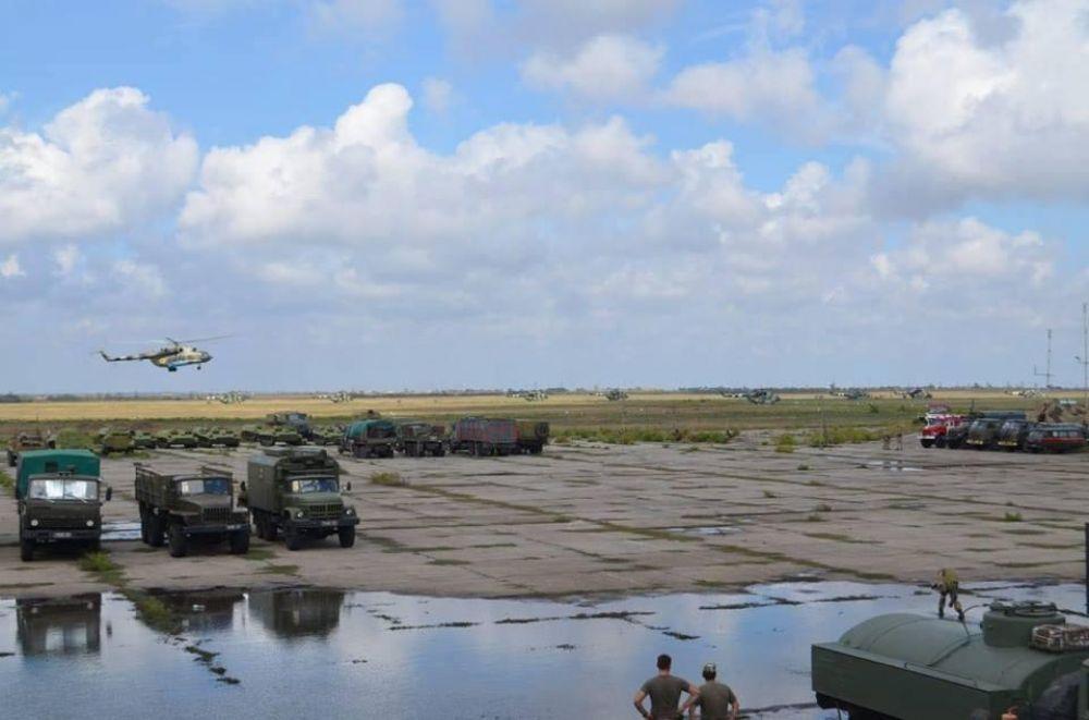 Ранее Президент Петр Порошенко поручил ВСУ принять меры в связи с незаконным задержанием украинских и иностранных судов, идущих в порты Азовского моря.