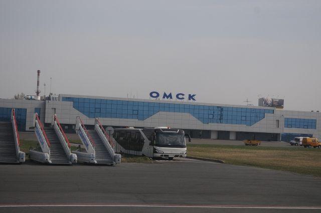 Омский аэропорт уже несколько десятилетий пытаются вынести из города.
