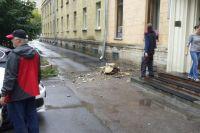 Инциденты происходят по всему Санкт-Петербургу.