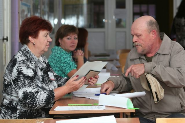 Жители региона выбирали, кто займёт пост главы сельского поселения Подтыбок и получит 71 депутатский мандат, пять из которых - в Госсовет.