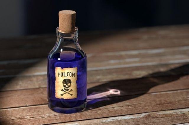 В Октябрьском районе 2-годовалый малыш в гостях отравился пестицидами.