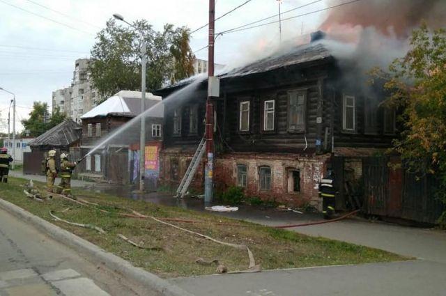 Пожар произошёл около 8 часов утра.